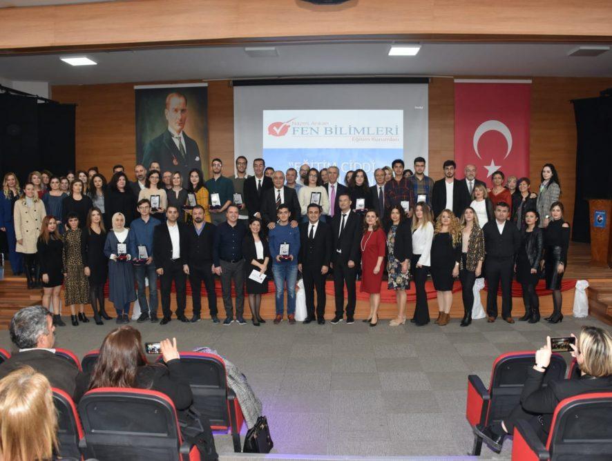 Ankara Fen Bilimleri Eğitim Kurumlarımızın öğrenci ve velilerine Kurucumuz Nazmi Arıkan ile birlikte konferans verdik. 16.11.2019